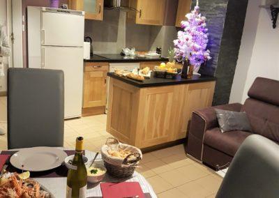 Table et déco de fêtes pour les vacances au gîte l'atelier du bord de mer Saint gilles croix de vie