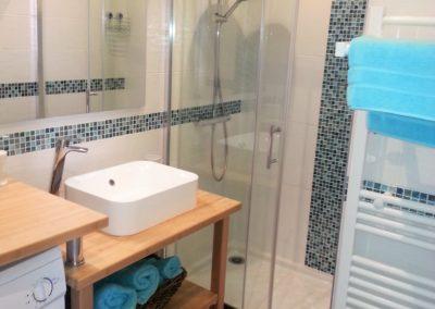Salle de bain bambou du gîte la terrasse saint gilles croix de vie