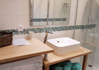 salle de bain bambou gîte la terrasse saint gilles croix de vie
